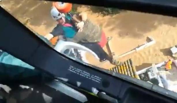El impresionante rescate de las familias atrapadas por las inundaciones en Málaga