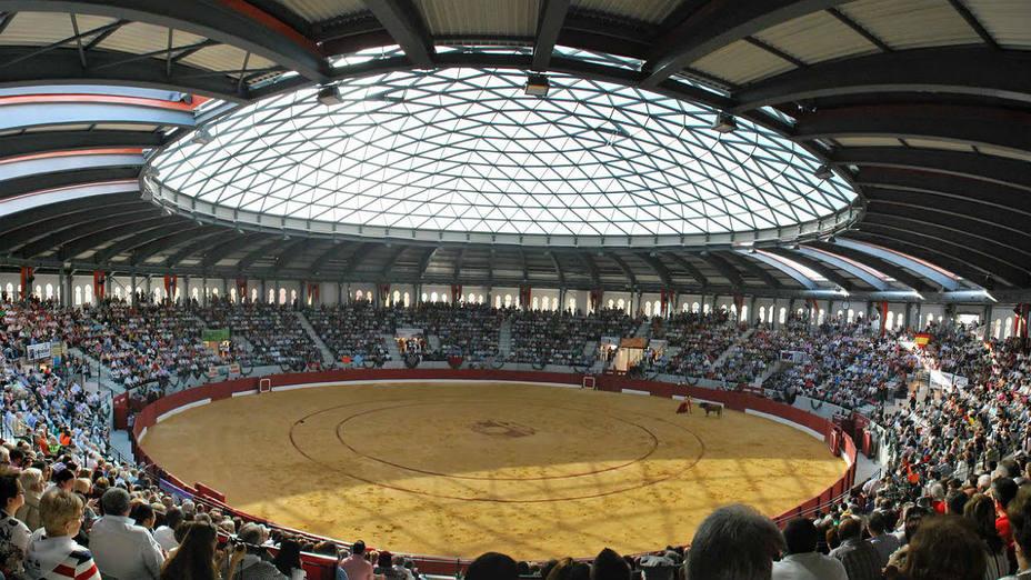 Plaza de toros cubierta de la localidad alicantina de Villena