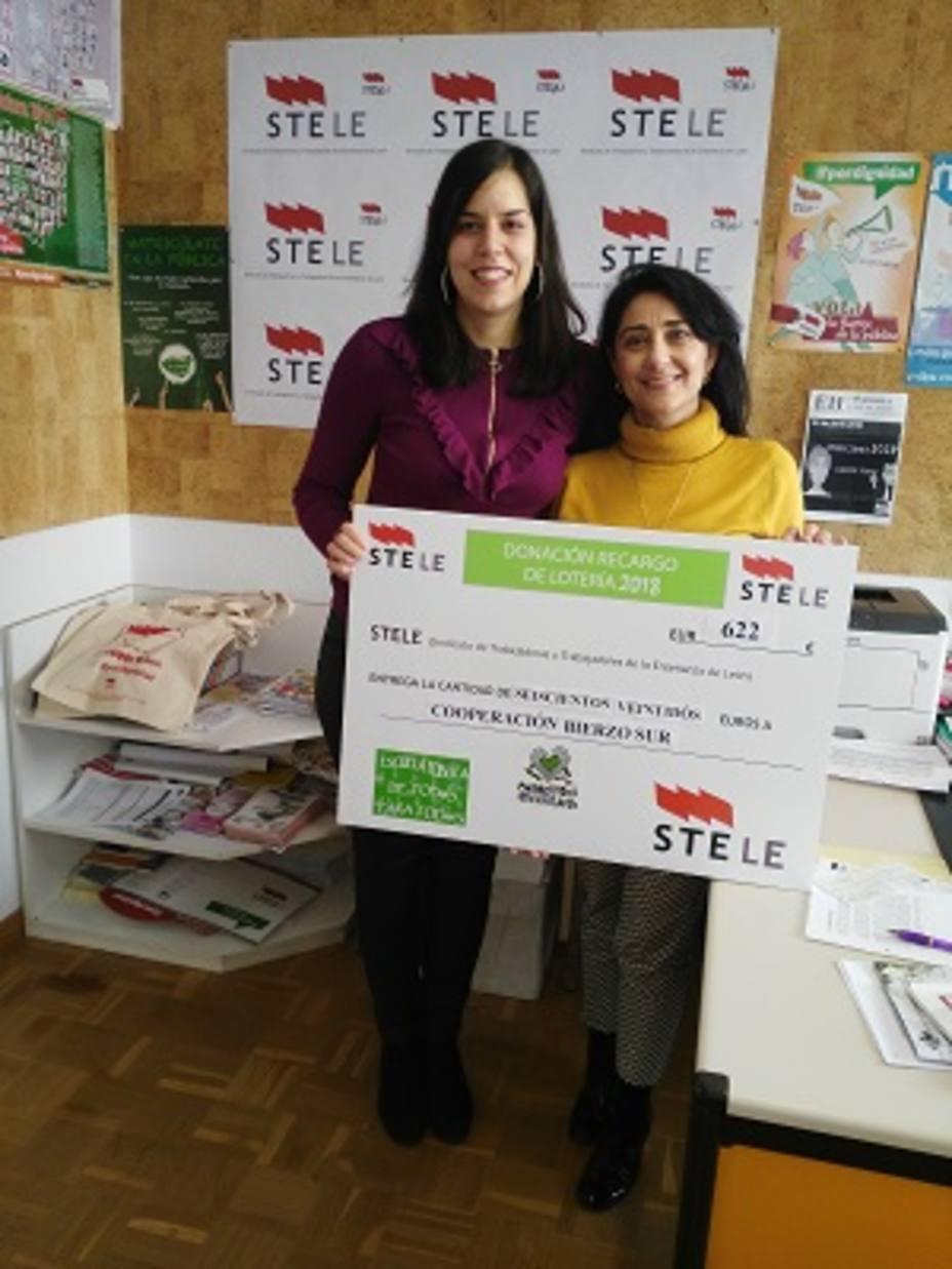 STELE entrega a la ONG Cooperación BierzoSur 622 Euros