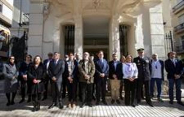 Minuto de silencio en la Delegación del Consell (GVA)