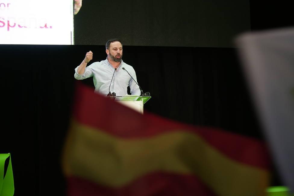 28A.- Abascal defiende que solo hay dos opciones: la continuidad histórica de España o un frente popular