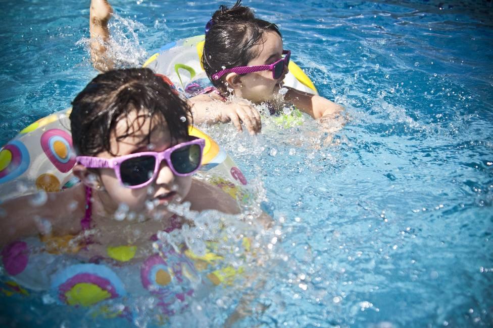 Traumatismos, cambios de temperatura y despistes, principales factores de riesgo de ahogamiento, según un experto