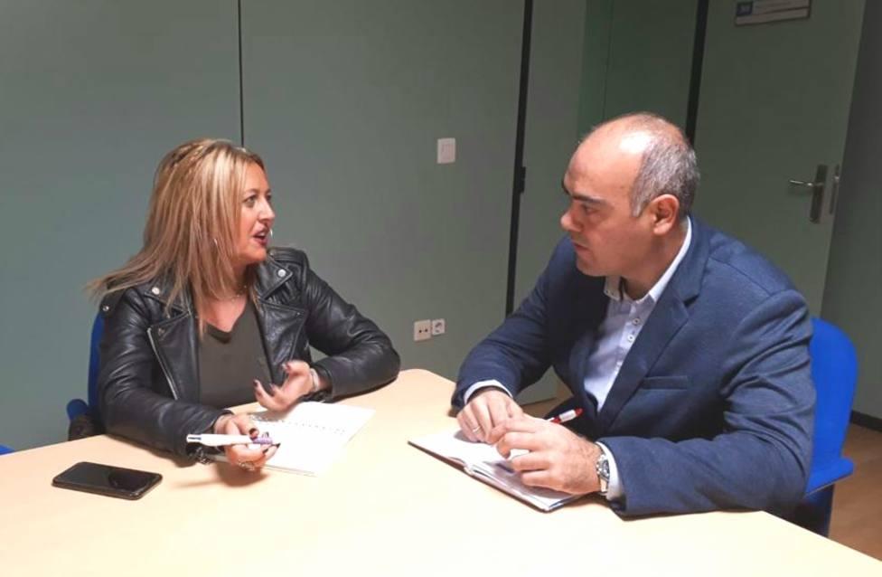 Beatriz Sestayo se reunió en Narón con el conejal de Promoción Económica, Jose David Pita - FOTO: SEA