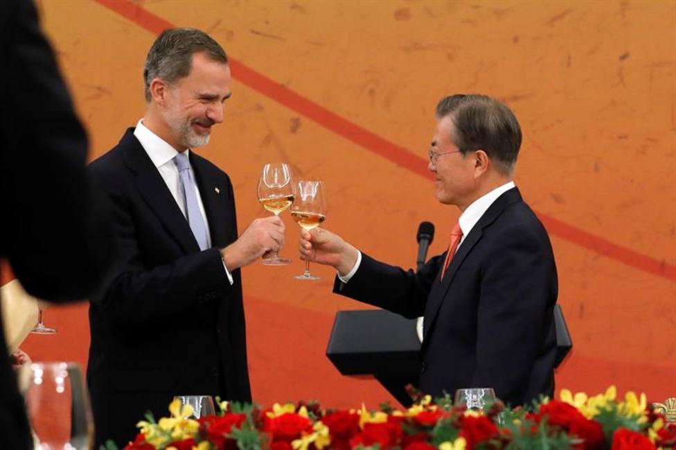 El rey Felipe VI y el presidente de Corea del Sur piden más colaboración empresarial