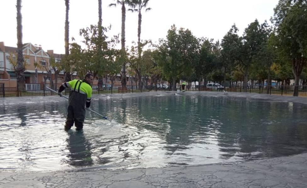 El Ayuntamiento realiza durante 2019 más de 17.000 actuaciones en fuentes y lagos del municipio