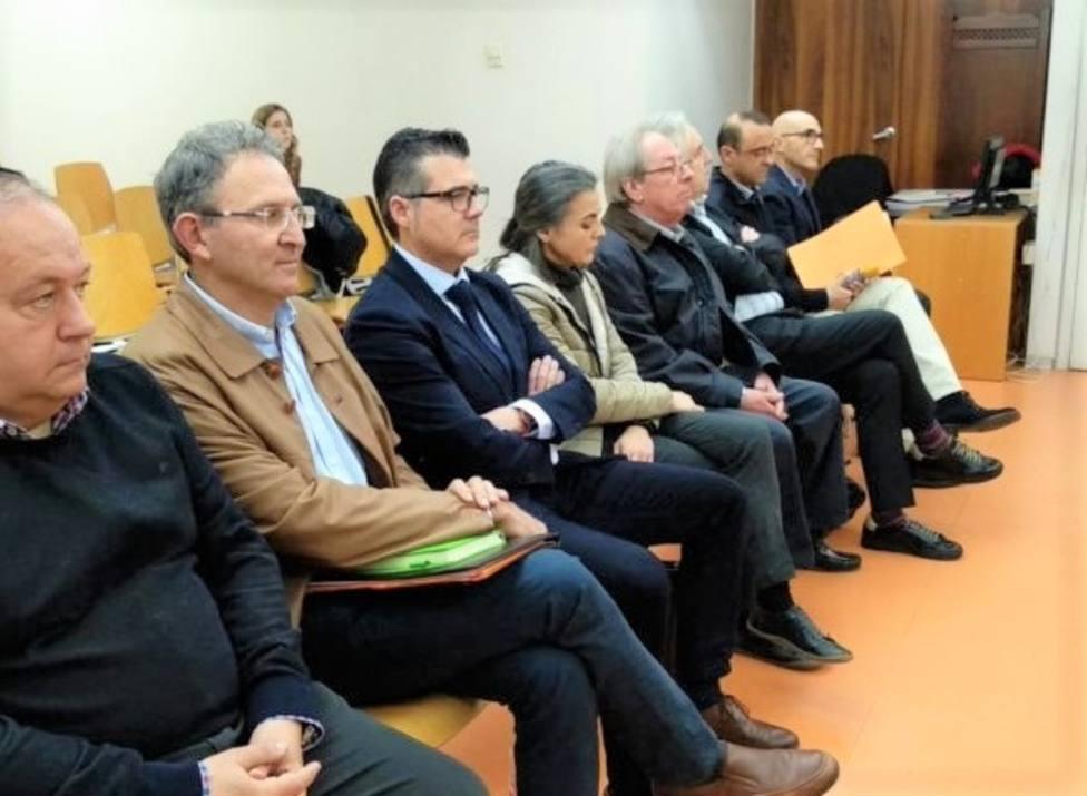 Condenan al ex alcalde y a un ex concejal de Torre Pacheco por adjudicación de contratos a dedo