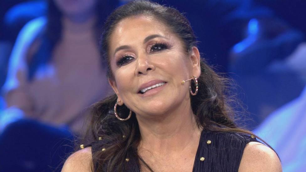 Isabel Pantoja estalla ante un reportero que acusa a Kiko Rivera de hacer algo ilegal: ¡Que nos dejen!