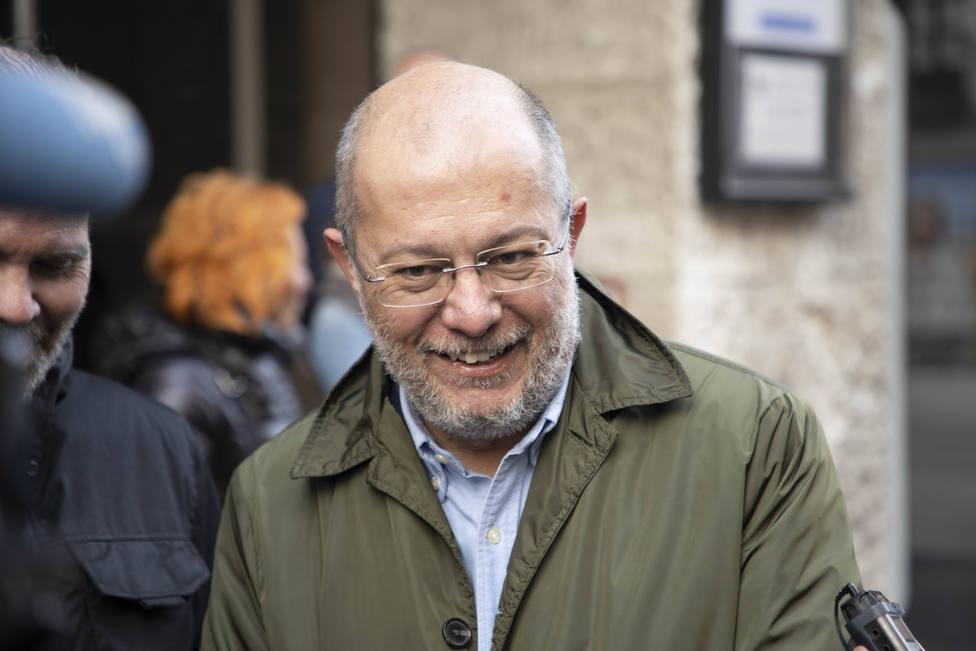Igea compara a Errejón con una lombriz por criticar el vídeo Viva el rey