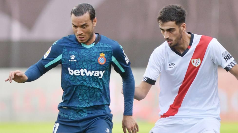 El Rayo Vallecno rompre el invicto del Espanyol que cae por primera vez esta temporada