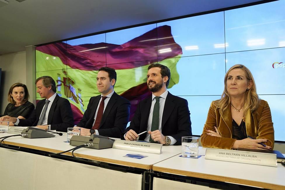 Pablo Casado y los miembros de la dirección del PP