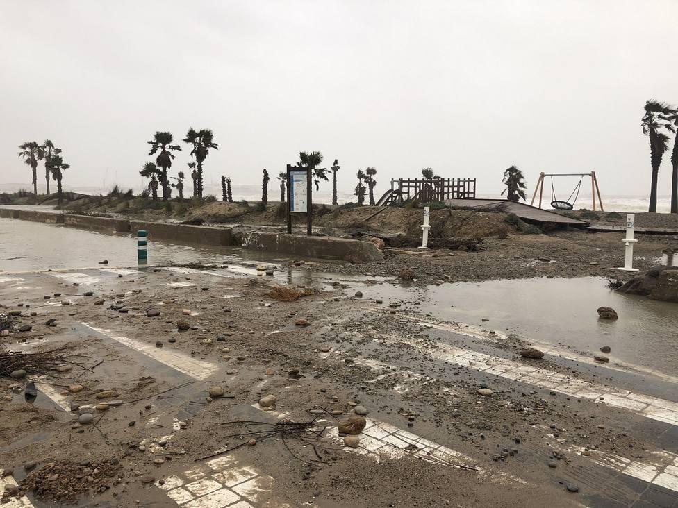 Cada temporal marítimo destroza el litoral de Almassora
