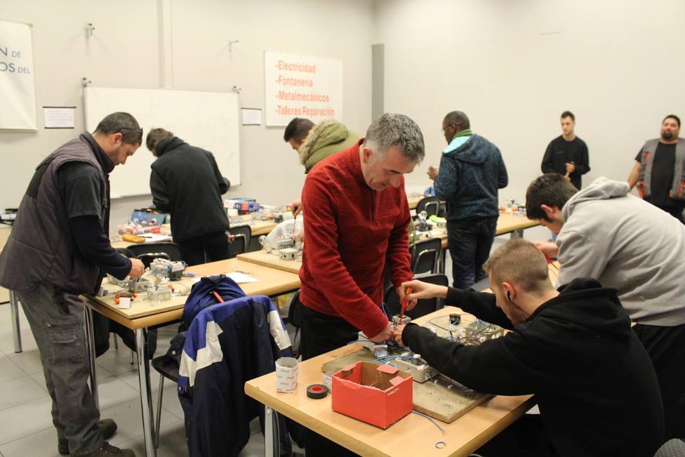 La Fundación Endesa y Cáritas lanzan cursos de formación en el sector eléctrico para jóvenes vulnerables