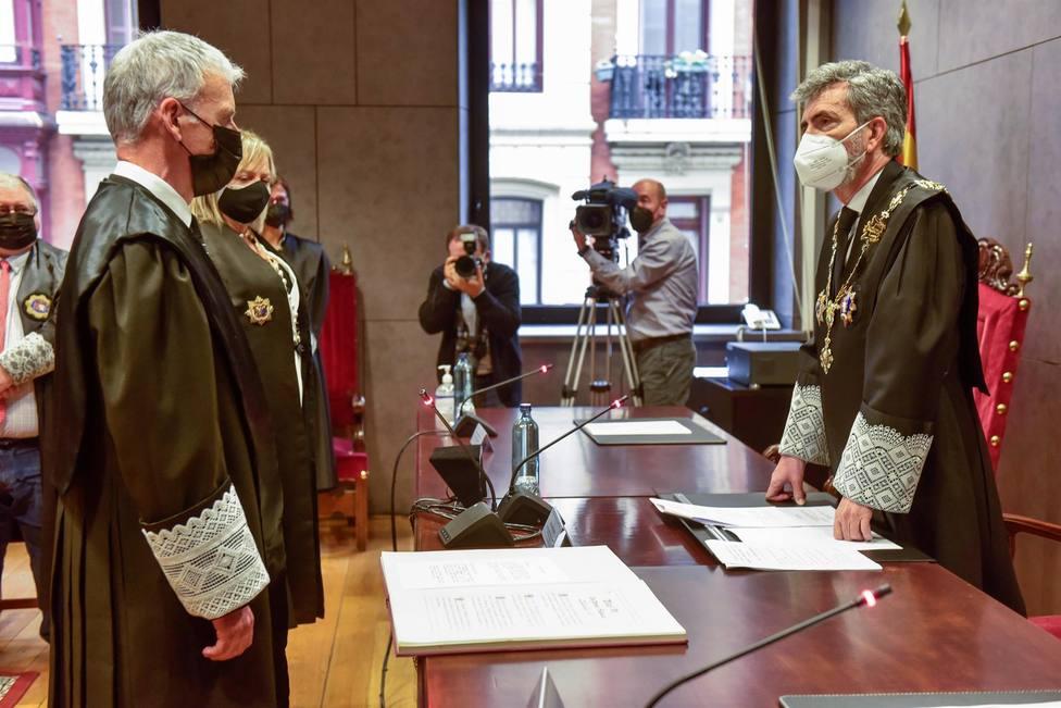 El presidente del TS y del CGPJ Carlos Lesmes en la toma de posesión del nuevo presidente del TSJPV
