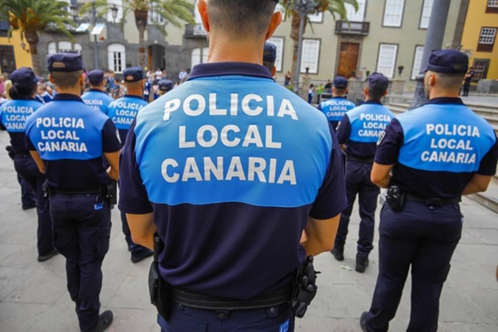 7.000 policías en las calles de Canarias este fin de semana para intervenir en fiestas o botellón