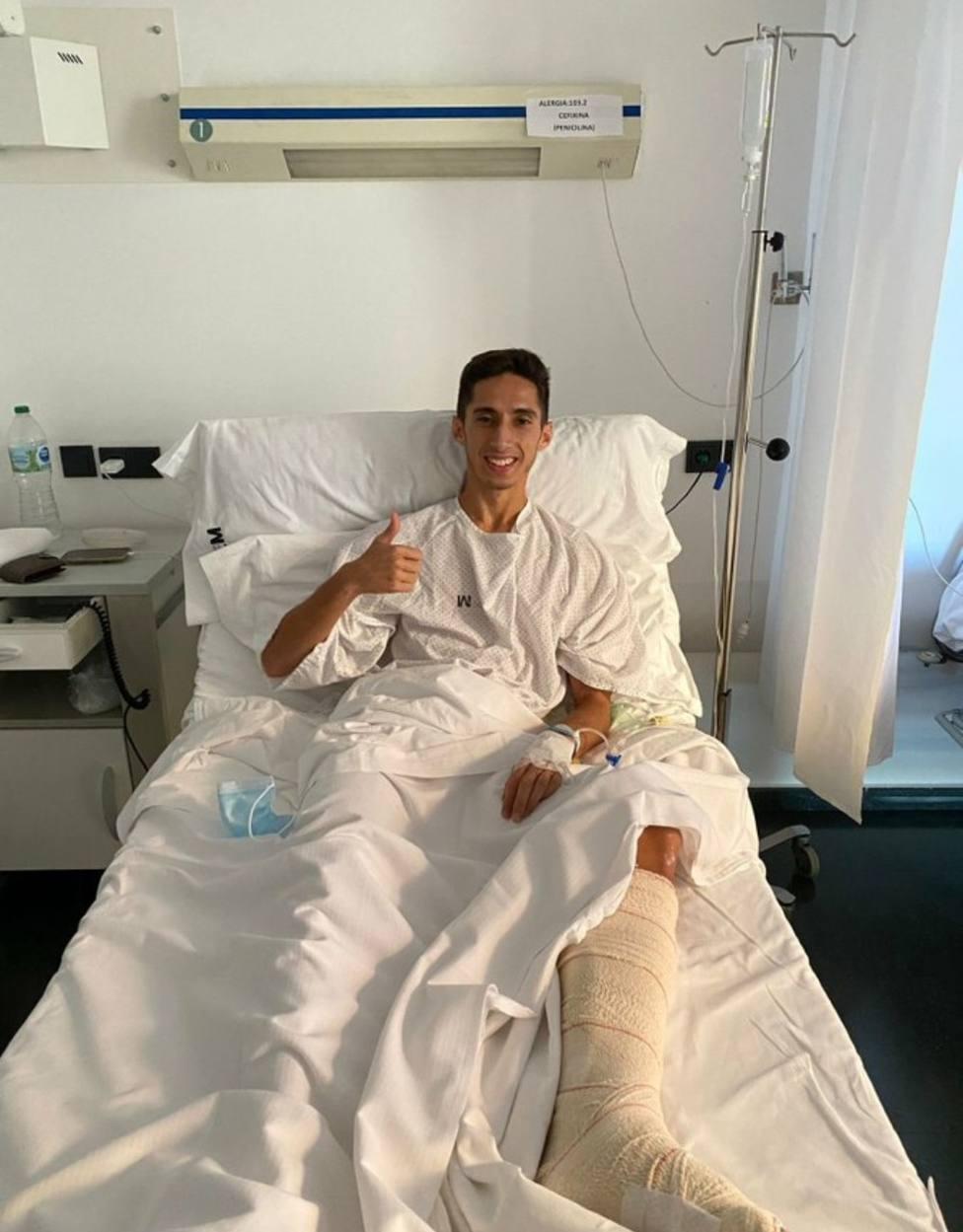 El lorquino Alberto, operado de su pierna izquierda