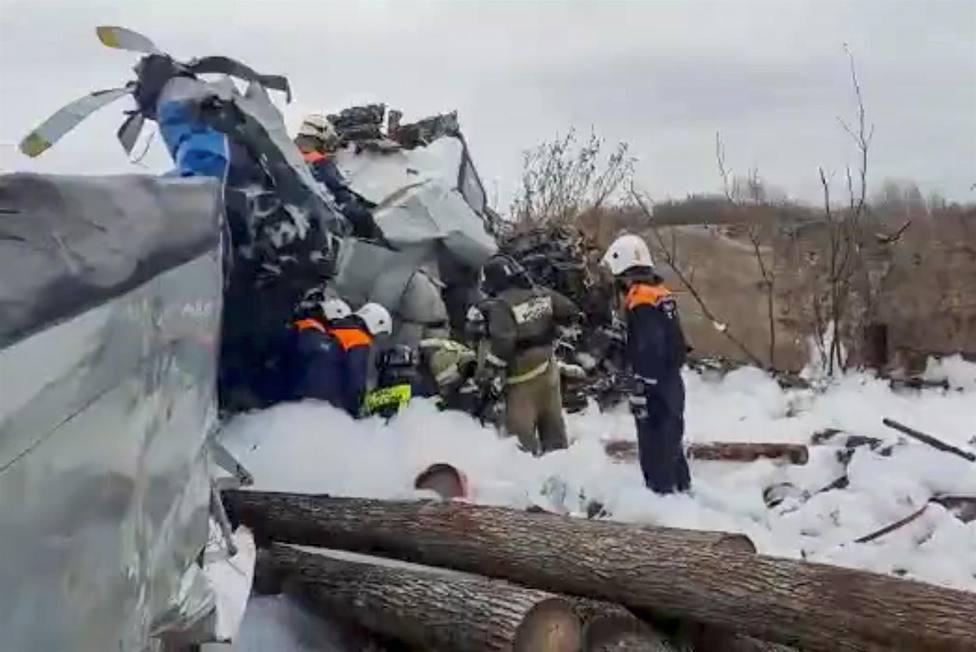 Al menos 16 muertos al estrellarse un avión de paracaidismo en el oeste de Rusia