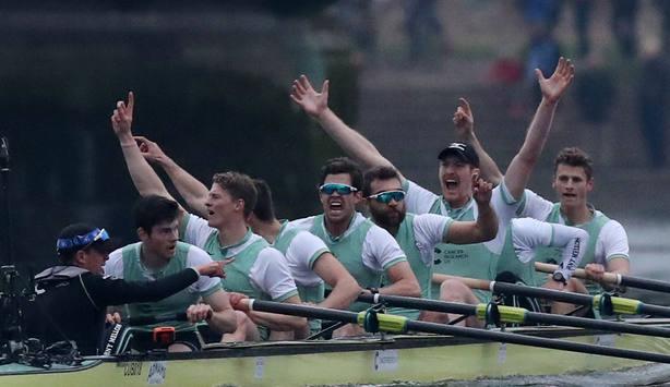 Cambridge celebra la victoria ante Oxford (Reuters)