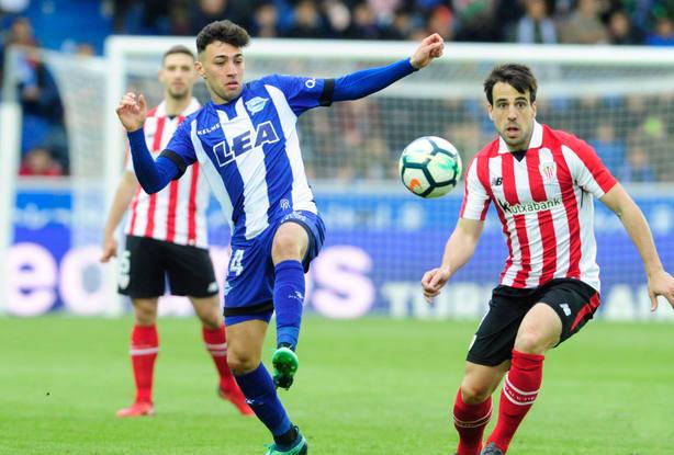 Munir El Haddadi, durante el partido de LaLiga Santander entre el Deportivo Alavés y el Athletic de Bilbao. EFE