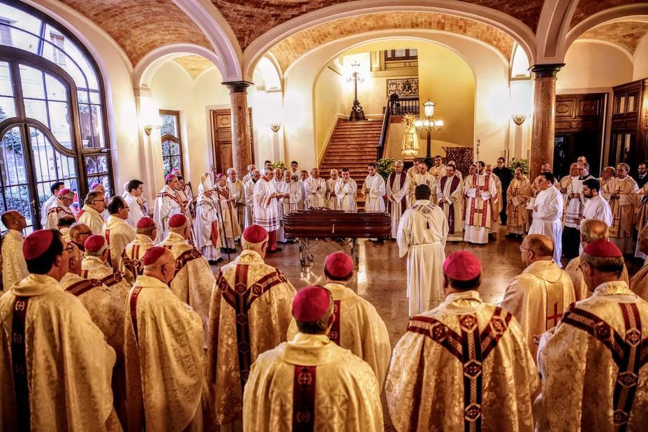 Féretro de Monseñor García-Aracil