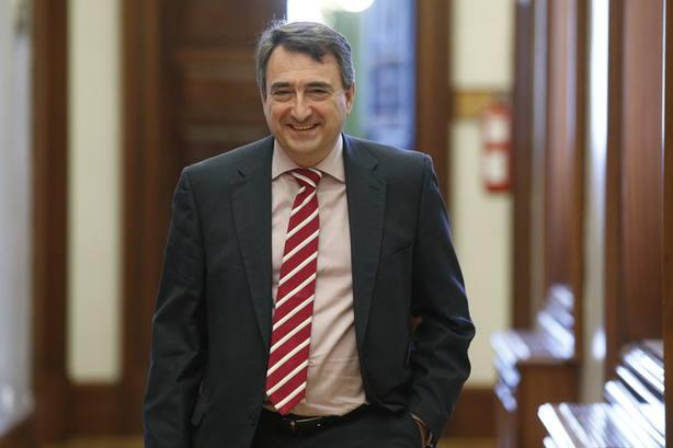 Esteban (PNV) estará presente en el arranque del juicio del procés para apoyar a los acusados
