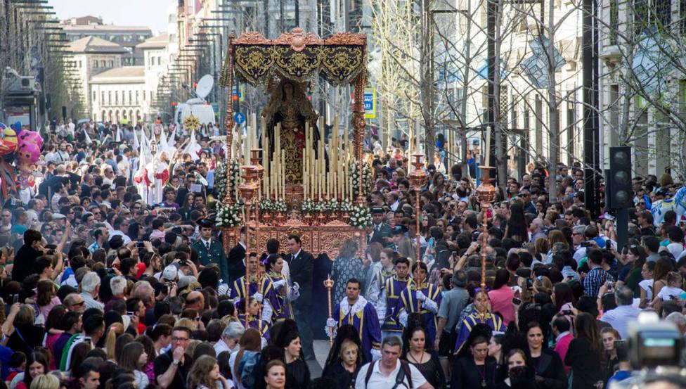 Detenido un joven en Granada por agredir a su pareja durante una procesión de Semana Santa