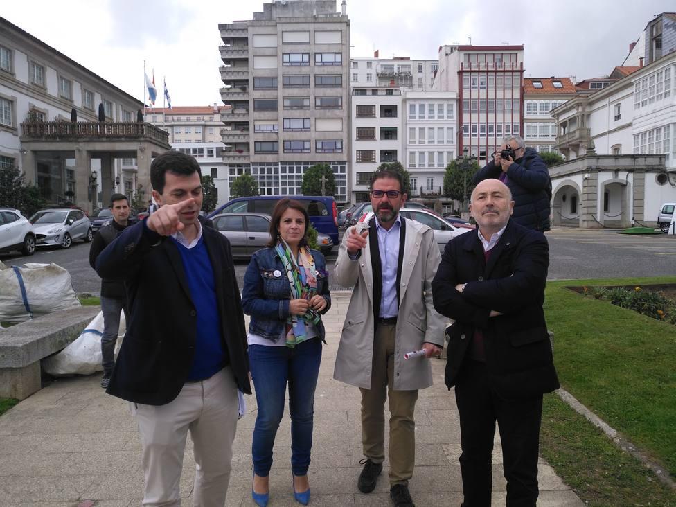 De izqd. a drcha.: Gonzalo Caballero, Adriana Lastras, Ángel Mato y Javier Losada