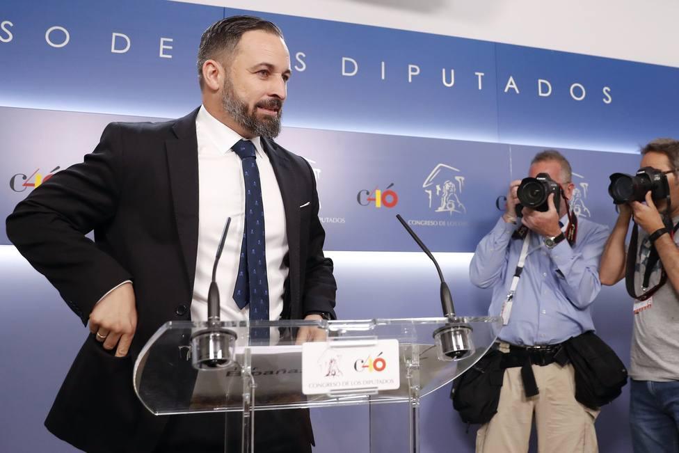 PSOE y Podemos sitúan a los diputados de Vox en el gallinero del Congreso