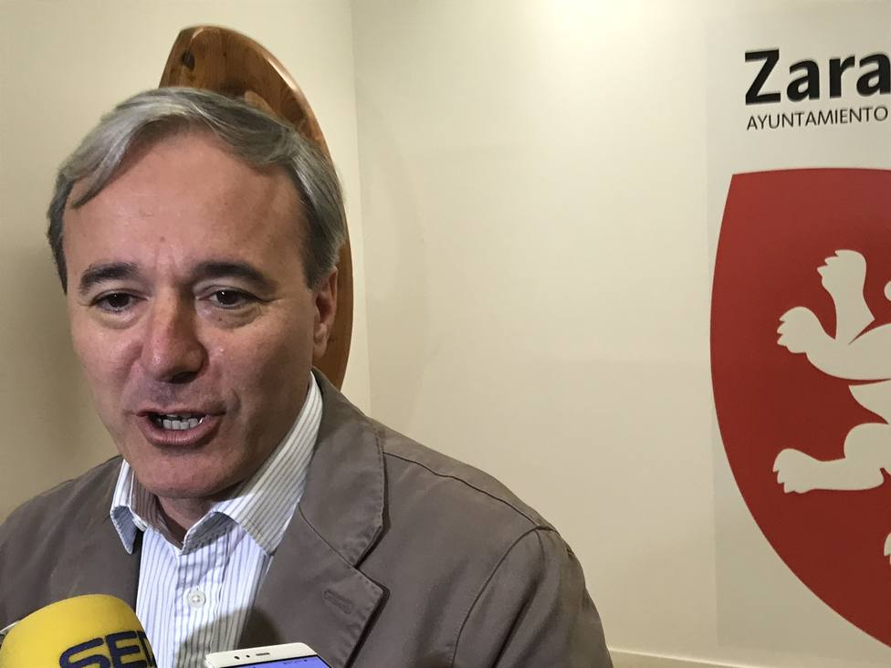 PP y Cs cierran un acuerdo y Azcón será el alcalde de Zaragoza y Sara Fernández vicealcaldesa, con el apoyo de Vox