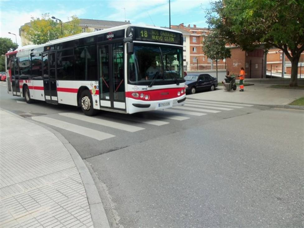 Autobús de la Empresa Municipal de Transporte 8EMTUSA) de Gijón