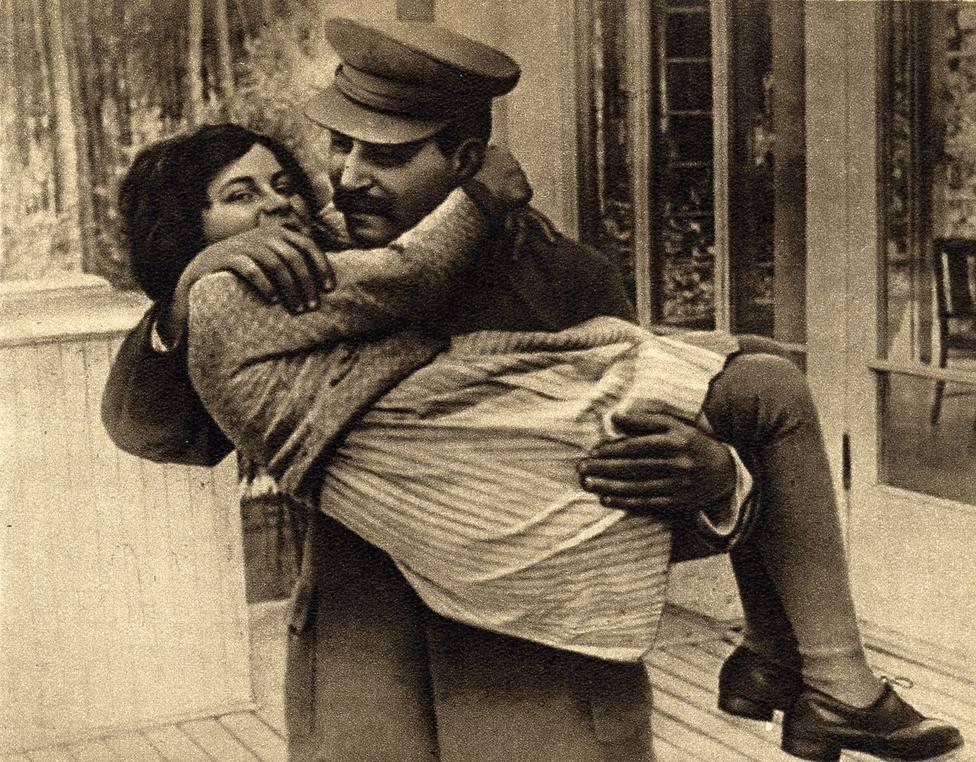 ctv-plp-joseph stalin with daughter svetlana 1935