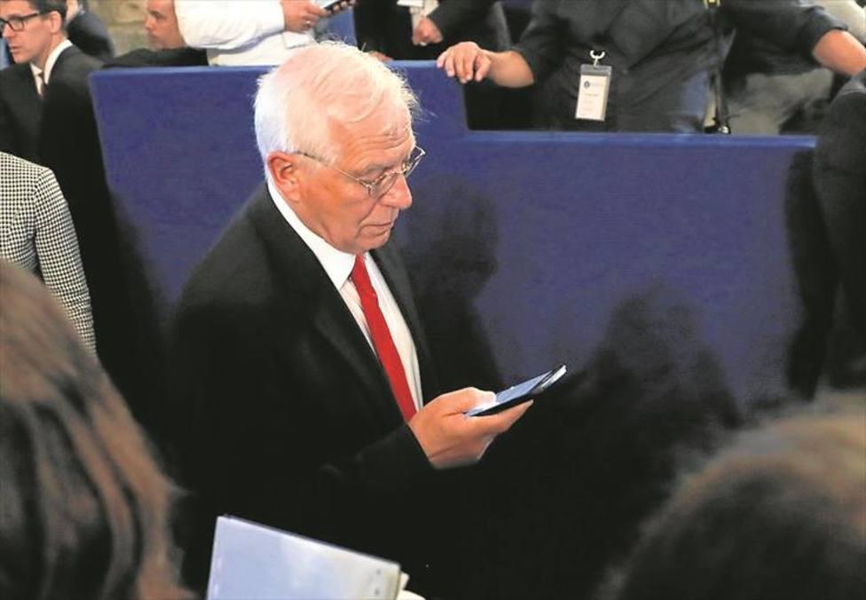 Borrell pide una salida negociada en Venezuela y apuesta por retomar las conversaciones