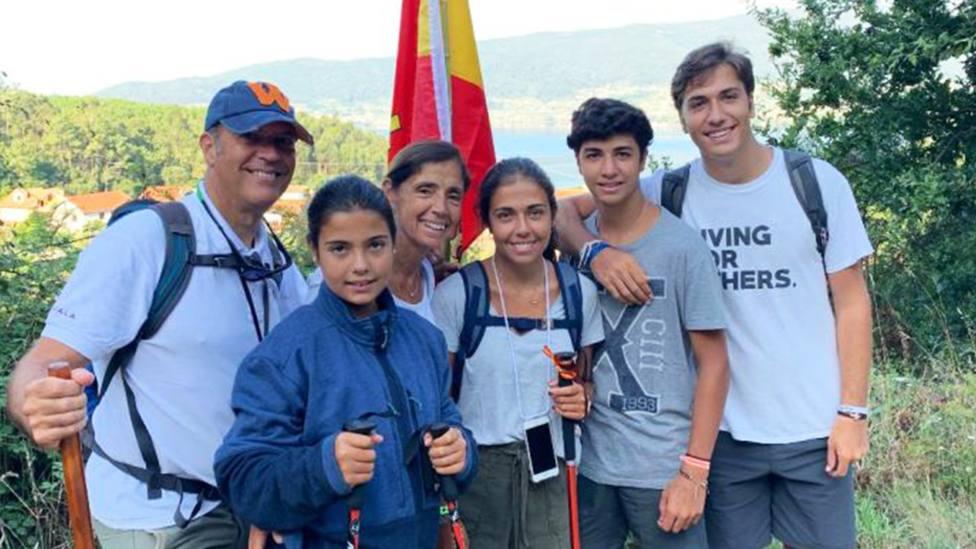 El profundo testimonio de fe de una joven que ha hecho el Camino de Santiago en familia