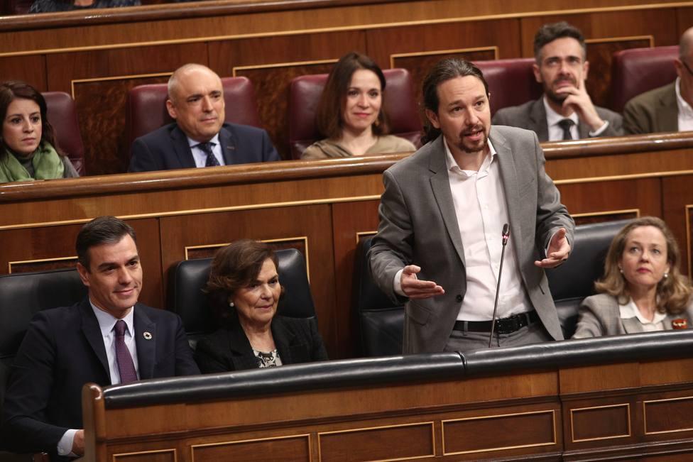 Iglesias culpa a Rajoy de la pobreza en España mientras el PP le echa en cara su ascenso de la bici al coche oficial
