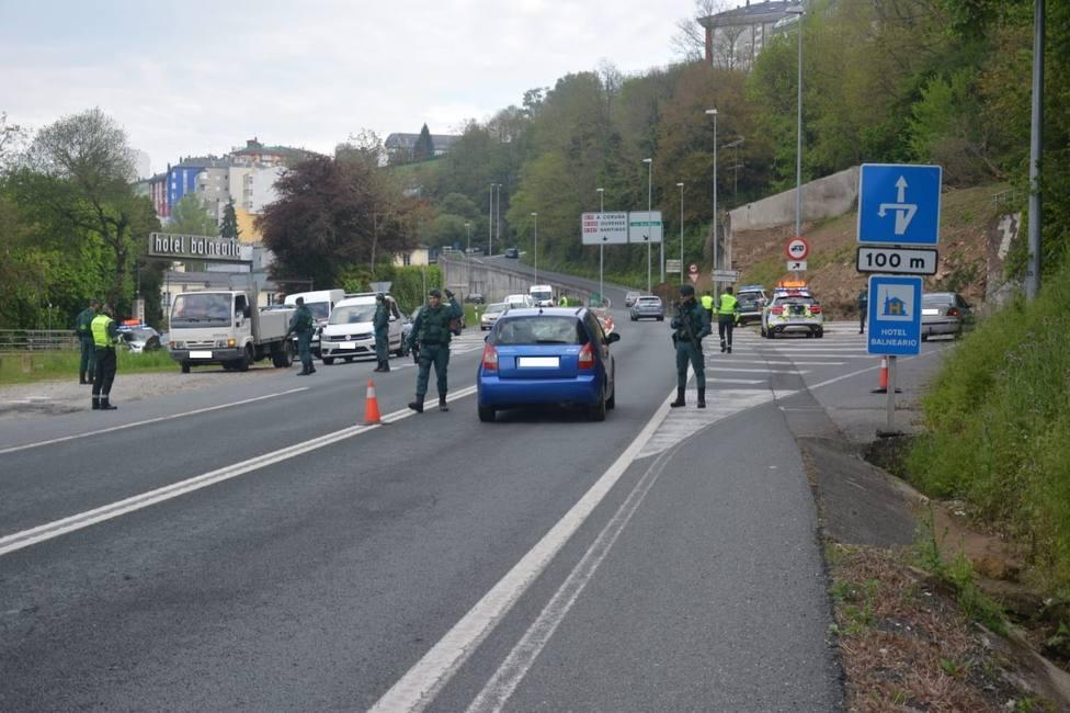 La Guardia Civil tuvo que acompañar al hospital a un hombre al que dio el alto en un control de carretera