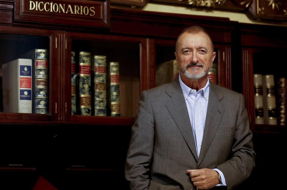 Pérez-Reverte comparte una curiosa entrevista con Francisco Franco hecha en pleno 2020