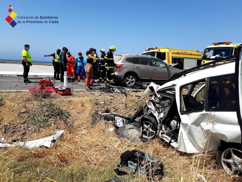 Fallece una persona tras una colisión entre tres vehículos en la CA-2233 Conil-El Palmar
