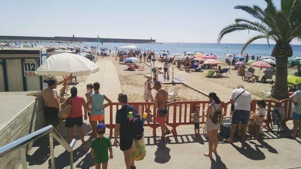 Benicarló cierra el acceso a la playa del Morrongo al completar su aforo