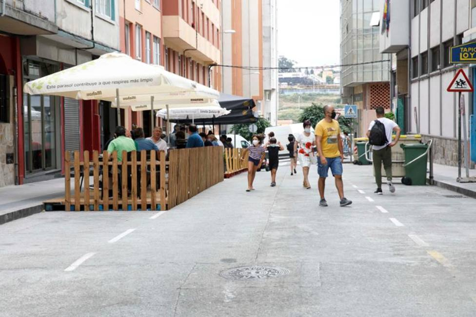 Terrazas en la calle Monte das Moas