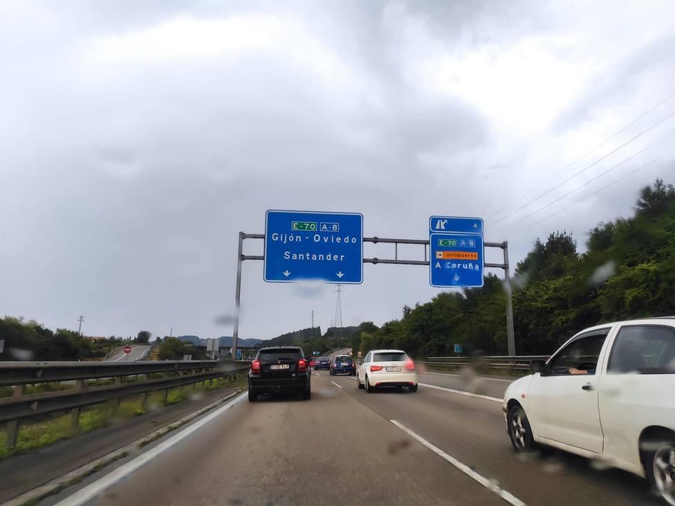 Autovía A-66, Y, una de las principales carreteras asturianas, con tráfico.