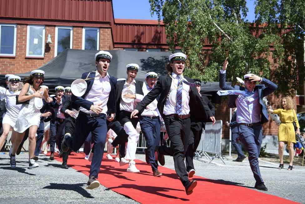 Suecia cerrará los institutos de país hasta enero por el incremento de los contagios