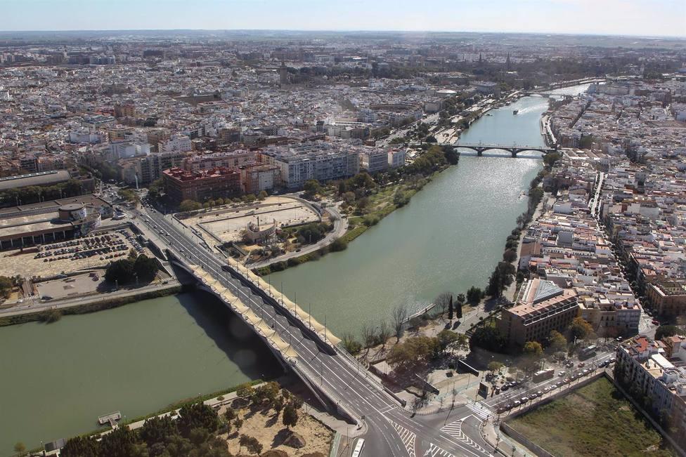 Sevilla.- AMP.- La revisión del padrón arroja 7.830 habitantes más en la provincia y la capital recupera 2.803 vecinos