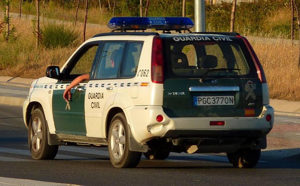 ctv-zys-800px-nissan x-trail guardia civil