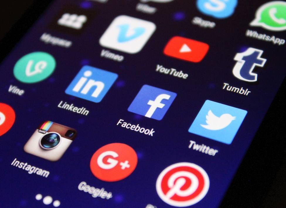 Sigue estos consejos para evitar caer en las estafas a traves de SMS o correos electrónicos