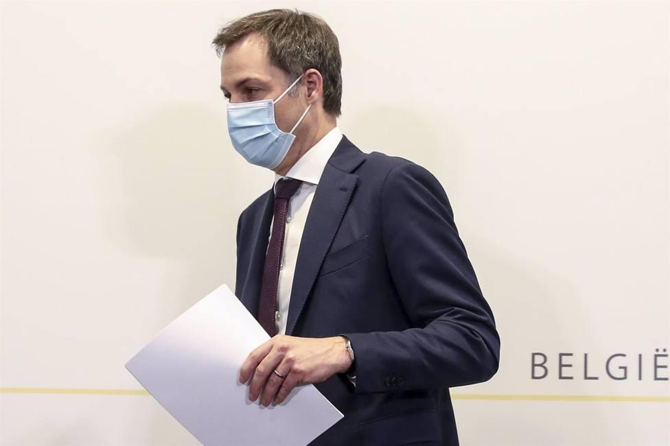 Bélgica cierra de nuevo tiendas y escuelas por el repunte de la pandemia