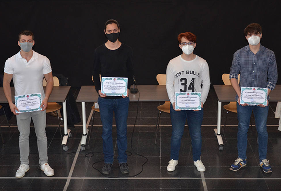 Los cuatro jóvenes de Guadarrama, con su reconocimiento oficial