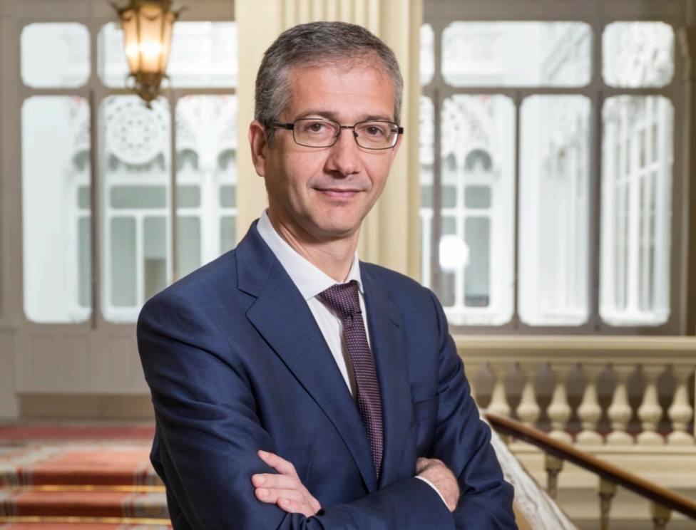 Hernández de Cos pide a bancos y supervisores que vigilen riesgos en la próxima fase de la crisis