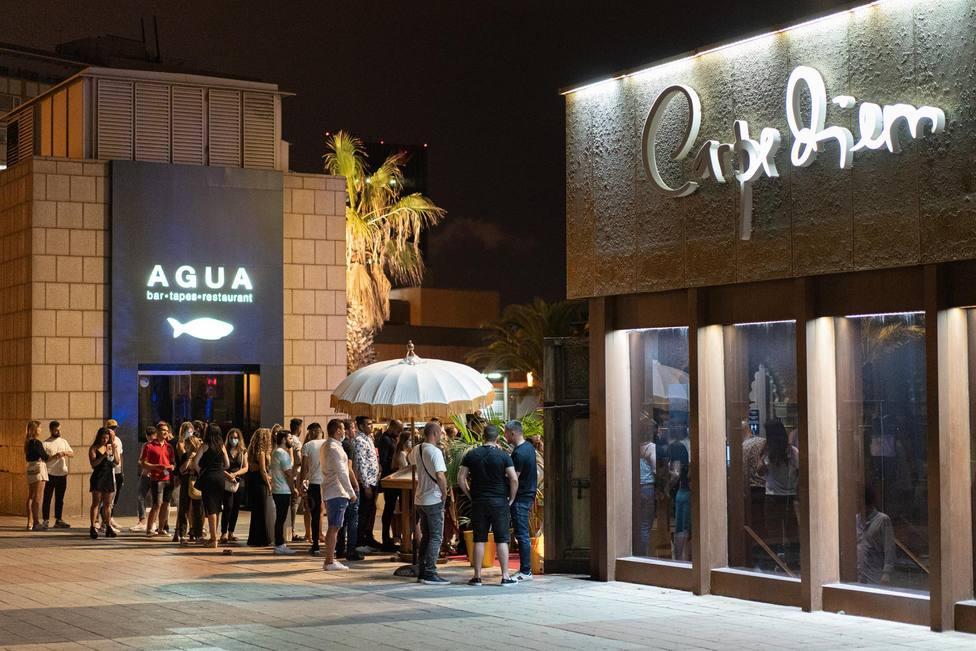 Los locales de ocio nocturno de Barcelona podrán reabrir como bares