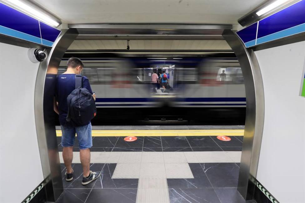 El sanitario agredido en el Metro de Madrid: Me reventó el ojo con algo, pero no fue ni con un móvil ni un pu