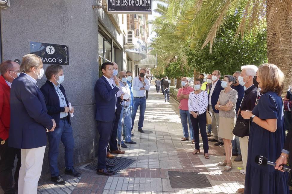 El Ayuntamiento renueva el alumbrado de la calle Alejandro Otero con bombillas LED