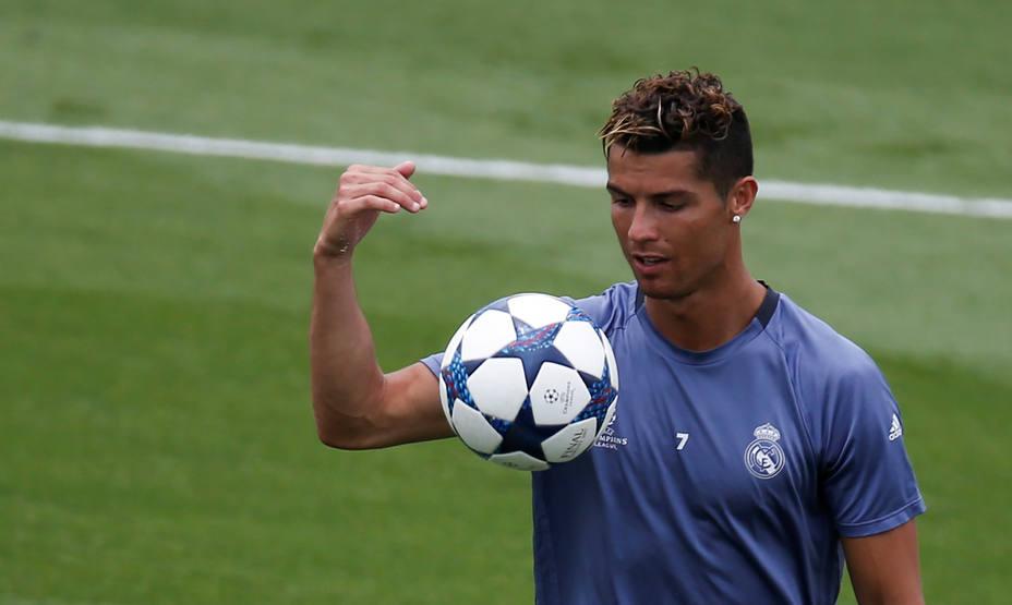 Football Soccer - Real Madrid training - UEFA Champions League Final
